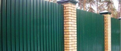 Профнастил НС-10 применение на забор 6005 зеленый мох
